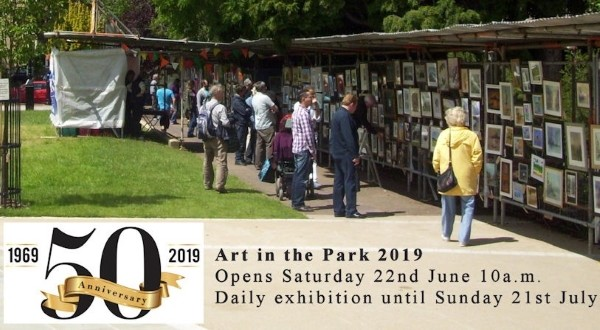 Love Viva Cakes and Crafts will be exhibiting artworks at Art in the Park