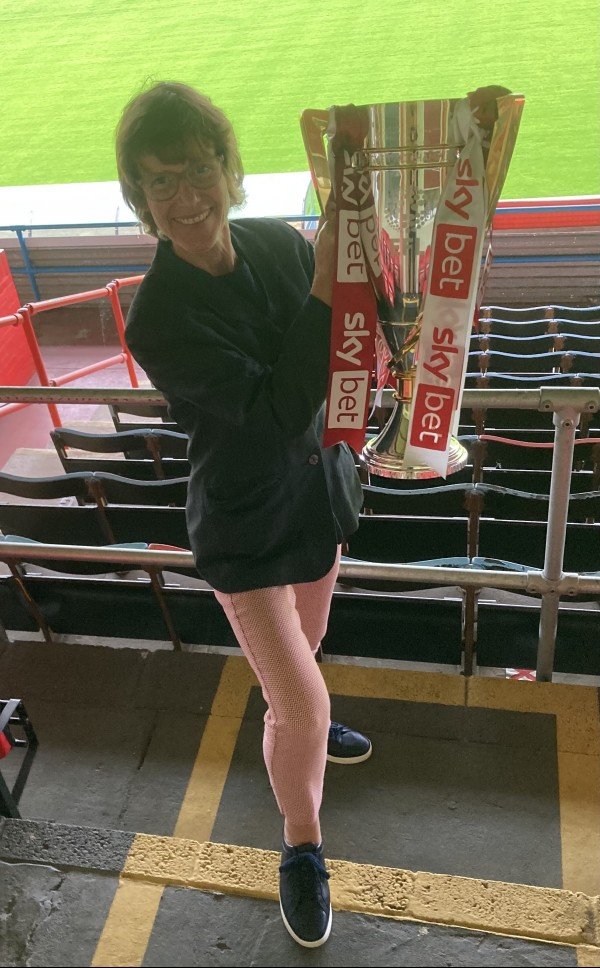 glos.info Director visits Cheltenham Town FC to see League 2 trophy