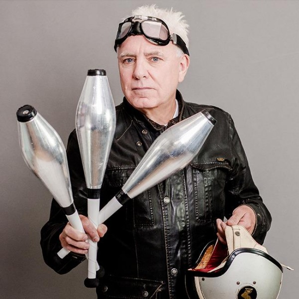 Dave Spikey – Juggling On A Motorbike