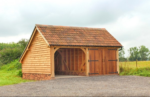 The Classic Barn Company - Designers and builders of traditional oak framed garages and outbuildings