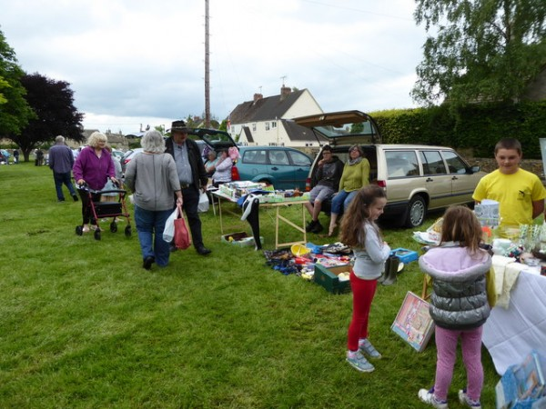 car_boot_sale_001