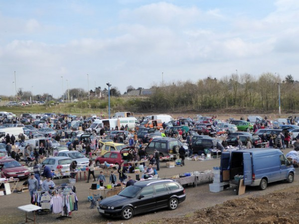 car_boot_sale_003