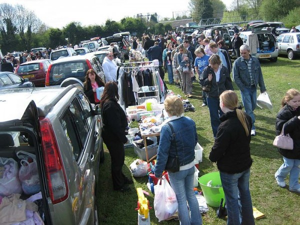 car-boot-sale_005
