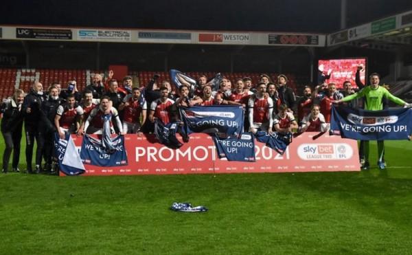 Cheltenham or Cambridge to take League 2 title