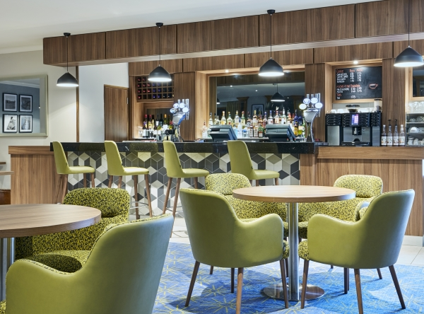 Jurys Inn cheltenham - Stay Happy Bar