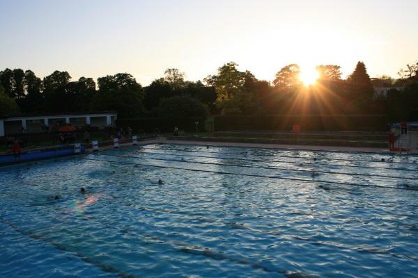 glos.info sandford parks lido sunrise swim 971ac6