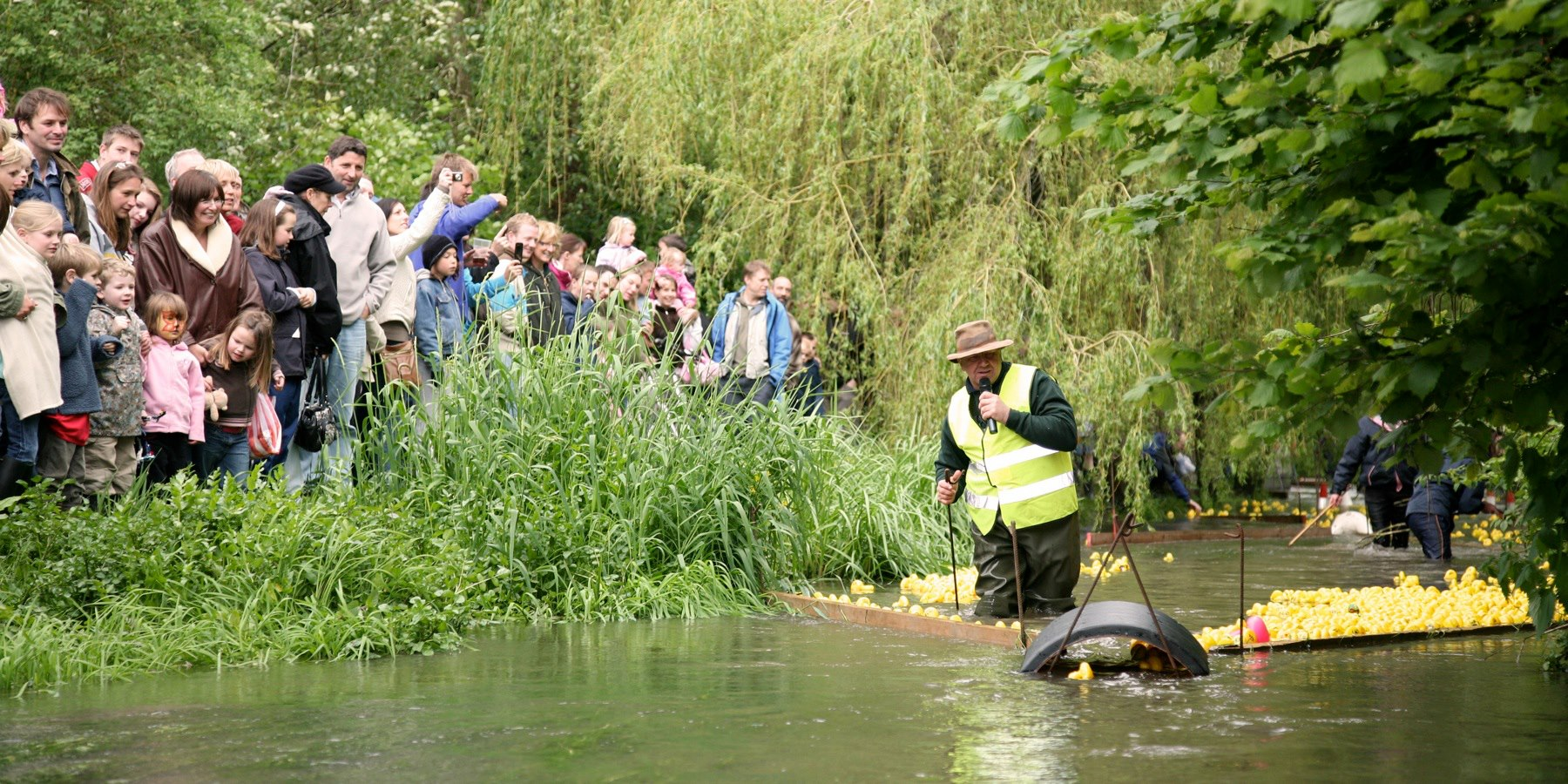 glos.info south cerney street fair duck race 6c8da4