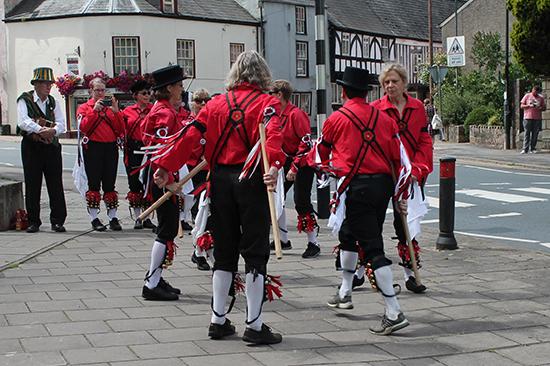 morris dancing folk festival