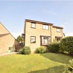 3 bedroom, Semi-Detached House in Ashcombe Crescent, North Common, Bristol, BS30 5NX - £275,000