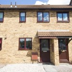 2 bedroom Terraced house Under Offer - Meadow Close, Fiddlers Green, Cheltenham, GL51 0TZ - £185,000