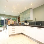 2 bedroom Flat for sale - £320,000