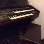 FOR SALE: Yamaha Electone MR-700
