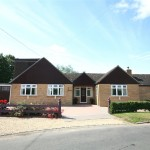 3 bedroom Bungalow for sale - £475,000