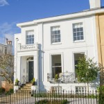 6 Bedroom Town House in Walton House, Park Place, Cheltenham, GL50 - £4,500