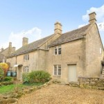2 Bedroom Cottage in Windrush, Burford, OX18 - £900