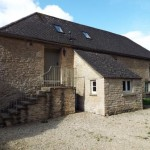 2 Bedroom Barn Conversion in The Stables, Bradwell Grove, OX18 - £900