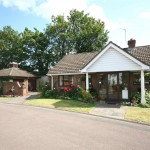 2 bedroom Bungalow for sale - £525,000