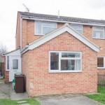 3 bedroom Semi-detached house Under Offer - Marsh Drive, Cheltenham, GL51 9LN - £225,000