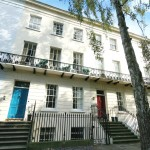 2 bedroom Flat for sale - £293,000