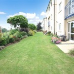 2 bedroom Flat For Sale - £240,000