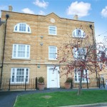 2 bedroom Flat For Sale - £395,000