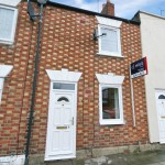2 bedroom House For Sale - £190,000