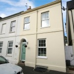 2 bedroom House For Sale - £365,000
