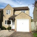 3 bedroom House For Sale - £300,000