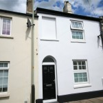 3 bedroom House For Sale - £270,000