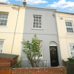 2 bedroom House For Sale - £215,000