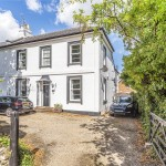 4 bedroom House For Sale - £675,000