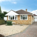 2 bedroom Bungalow For Sale - £325,000