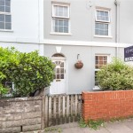 3 bedroom House For Sale - £340,000
